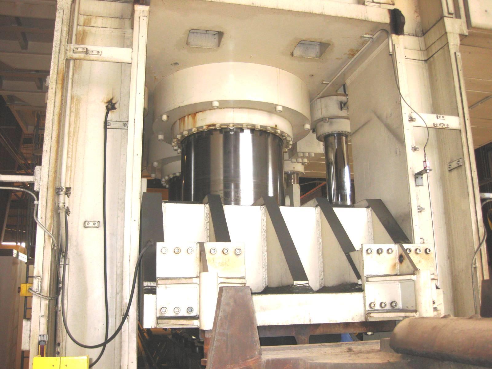 7860 Ton Siempelkamp Downacting Hydraulic Press, model